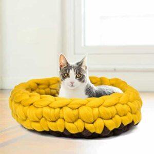 кошка в корзинке