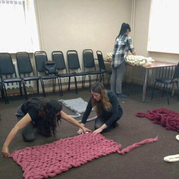 вязание пледа из толстой пряжи